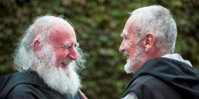 El hermano David junto a Anslem Grün