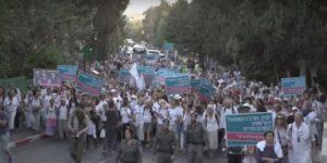 Marcha de madres por la paz