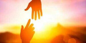 Reinar sirviendo