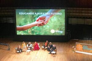 Educando a Nuestro Futuro: Christian Plebst