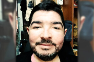 Jorge Coll se moviliza en silla de ruedas
